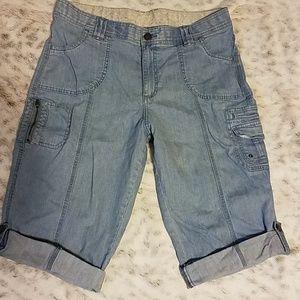 Lee long shorts size 16
